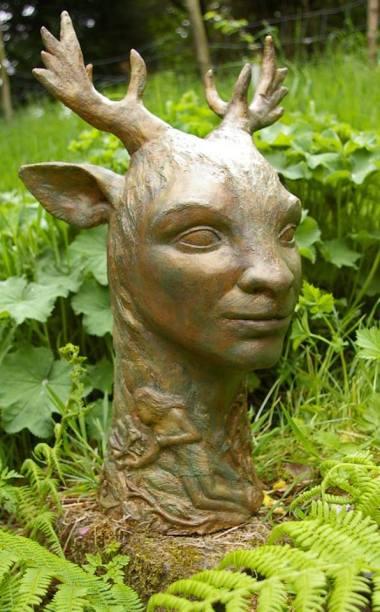 Naomi Bunker - https://artsinthetawevalley.com/naomi-bunker-sculpture/